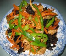 【青椒胡萝卜炒肉丝】青椒胡萝卜炒肉丝怎么做好吃_青椒炒胡萝卜丝的