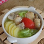 鸡肉蔬菜汤的做法