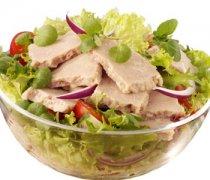 【金枪鱼沙拉热量】金枪鱼沙拉的做法_金枪鱼沙拉的营养价值