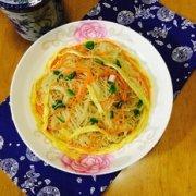 胡萝卜鸡蛋炒米粉的做法