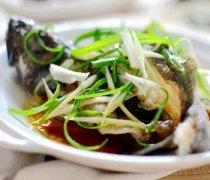 【清蒸石斑鱼】清蒸石斑鱼的做法