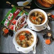 香菇黑椒酸辣汤的做法
