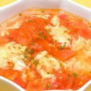 【西红柿鸡蛋汤怎么做】西红柿鸡蛋汤的营养价值_西红柿鸡蛋汤的功效