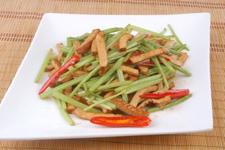 豆腐干炒芹菜