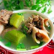 羊大骨清炖萝卜汤的做法