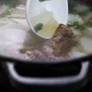 清炖羊排萝卜汤的做法
