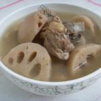 莲藕花生猪骨汤的做法