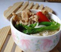 【金针菇肥牛饭】金针菇肥牛饭的做法_金针菇肥牛饭的营养价值