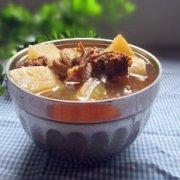 白萝卜煲鸭肉的做法