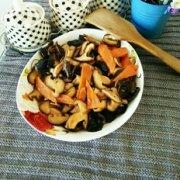 香菇炒木耳的做法