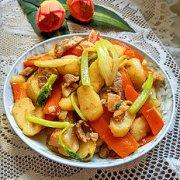 胡萝卜马蹄炒肉的做法