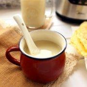 百合莲子银耳黄豆浆的做法