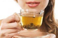 多喝桑叶菊花茶减轻皮肤干痒问题