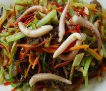 【鱿鱼炒芹菜的做法】鱿鱼炒芹菜的烹饪技巧_鱿鱼炒芹菜的营养价值