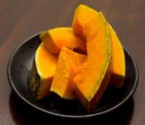 【蒸南瓜的热量】蒸南瓜的营养价值_蒸南瓜需要多长时间_蒸南瓜可以蘸
