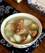 【白萝卜炖排骨】白萝卜排骨汤的做法_白萝卜海带排骨汤