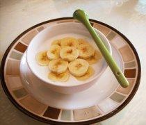 【香蕉牛奶汁的做法】香蕉牛奶汁的功效_香蕉牛奶汁宝宝能喝吗