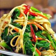菠菜拌胡萝卜的做法