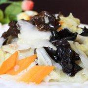 黑木耳炒白菜梗的做法