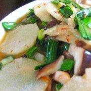 白菜香菇炒山药的做法