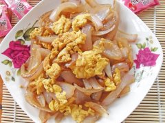 下饭菜—洋葱炒蛋的做法