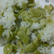 香糯蚕豆饭的做法