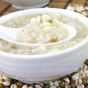 瘦肉薏米粥的做法