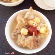 莲子薏米土鸭汤的做法