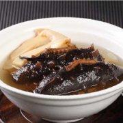 姜片海参炖鸡汤的做法