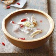 山楂麦芽猪腱汤的做法