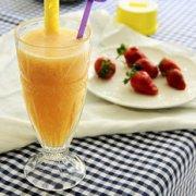 风靡欧美减肥菠萝汁的做法