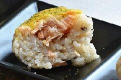 咖喱三文鱼焗寿司的家常做法