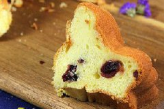蔓越莓萨瓦林酸奶戚风蛋糕的家常做法