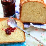 满屋飘香的淡奶油面包的做法