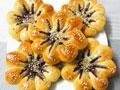 紫薯菊花面包的做法