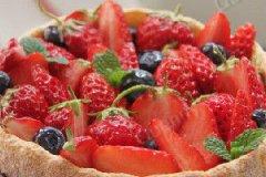 草莓夏洛特蛋糕的家常做法